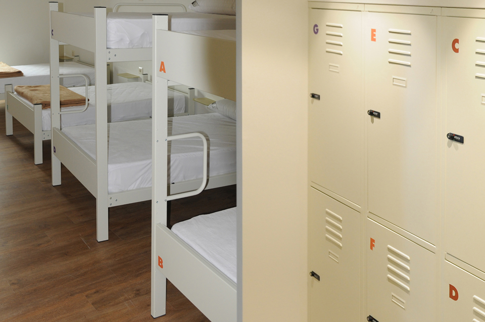 habitacion compartida 01 albergue guiana